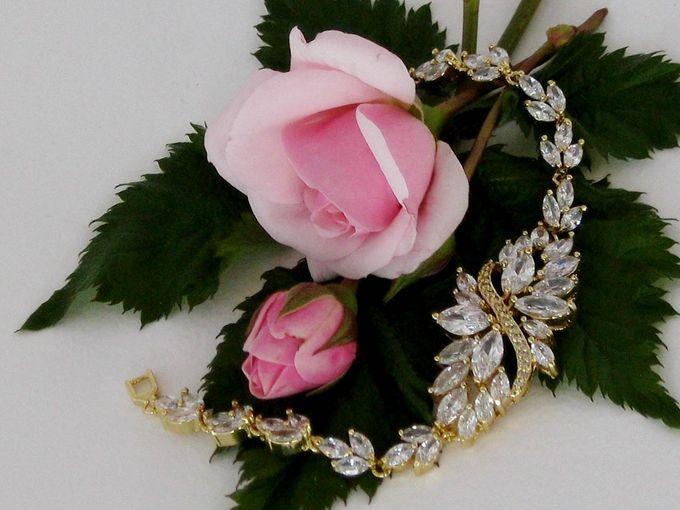 Bridal Bracelets by Pamela Falli - 017