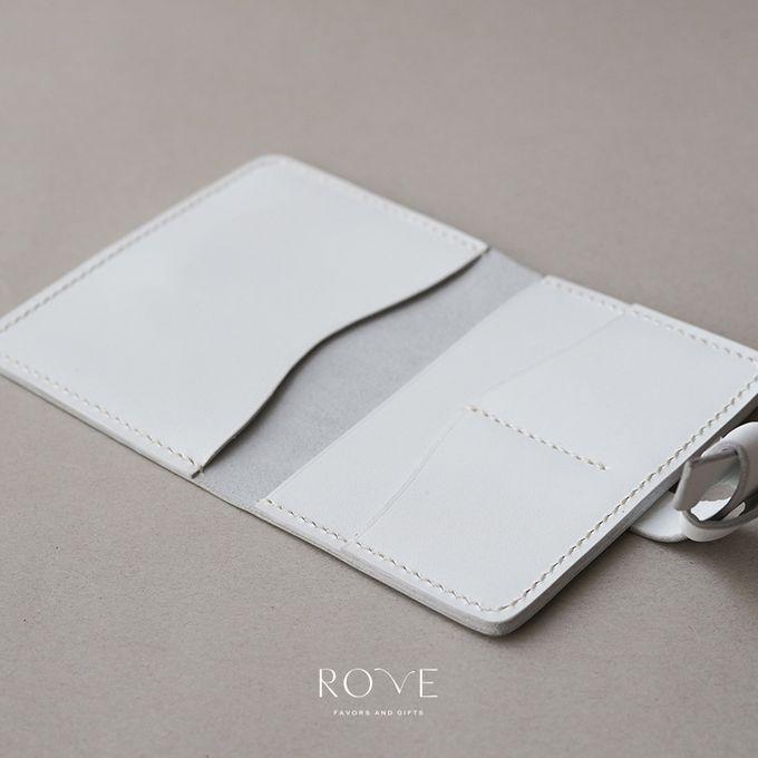 Irwin - Nakina Passport in White by Rove Gift - 002
