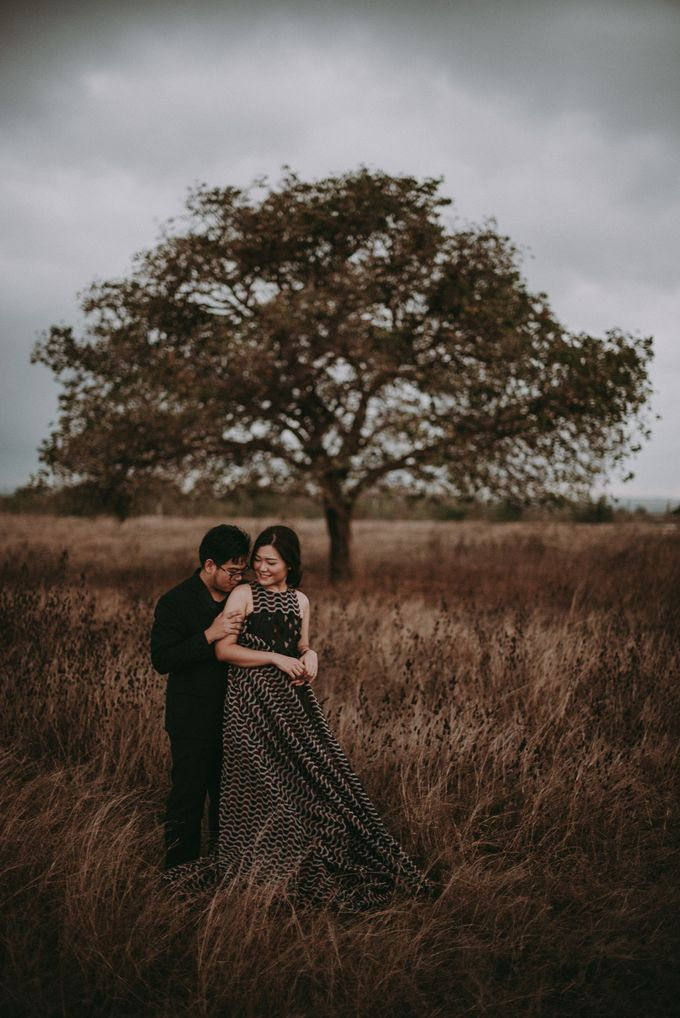 Anton & Cynthia Elopement Session by Chroma Pictures - 014