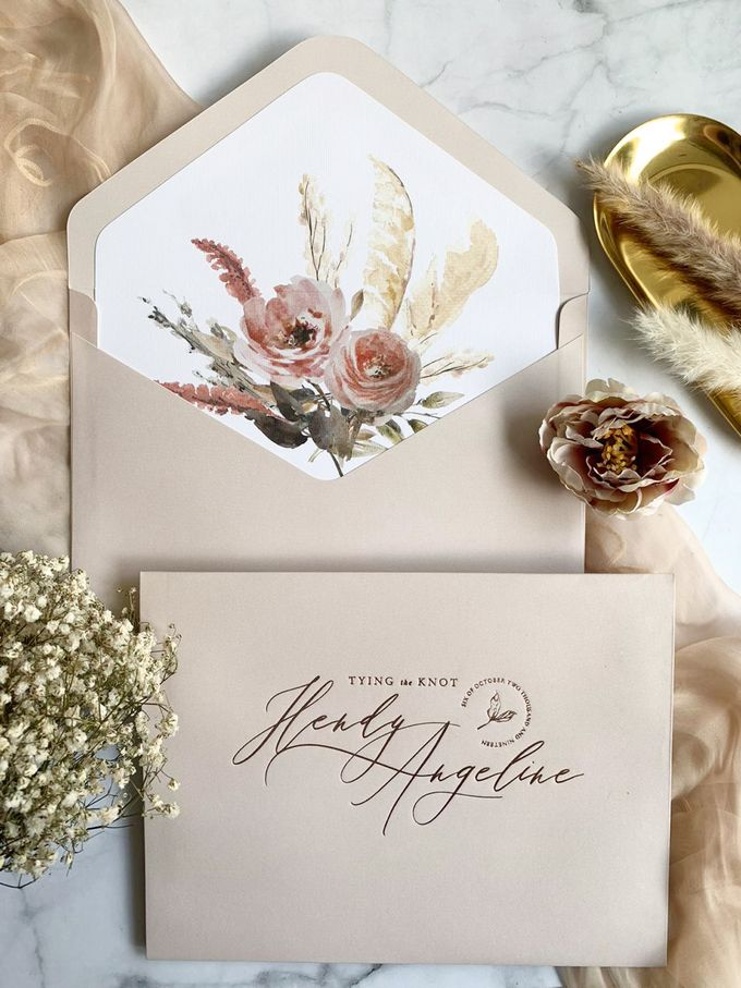 Romantic Bouquet by Trouvaille Invitation - 004