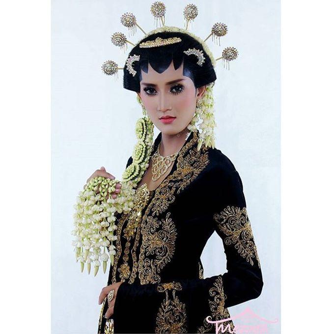 Solo Puteri Modifikasi by Mezuira MakeUp & Hijab Style - 006