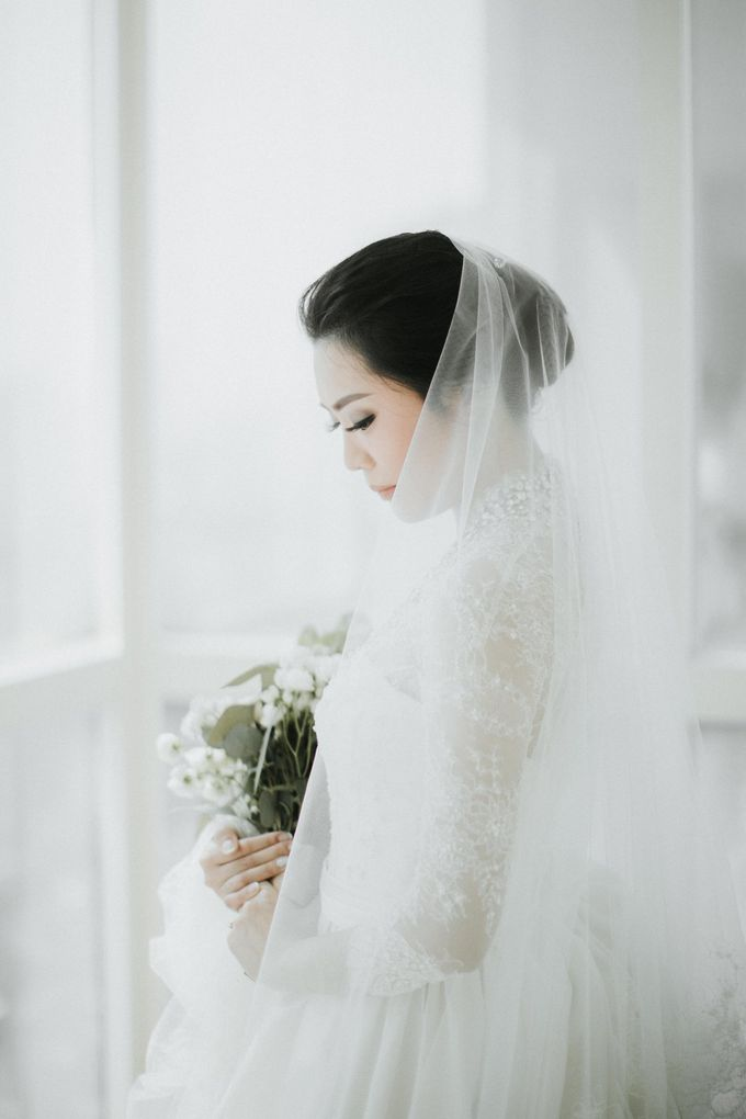 Viona & Ivan Wedding at Grand Hyatt Jakarta by ILUMINEN - 011