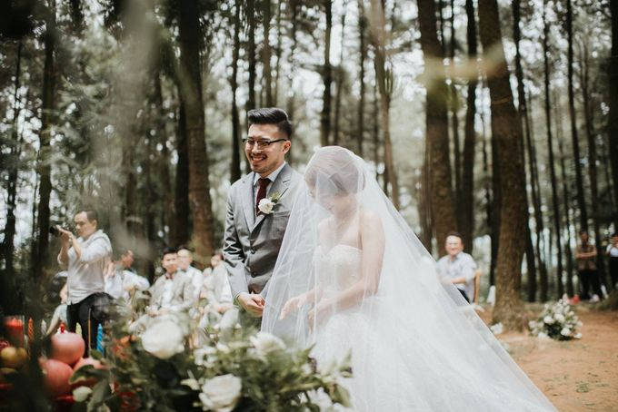 Mega & Alfred Wedding at Gunung Pancar Bogor by ILUMINEN - 020