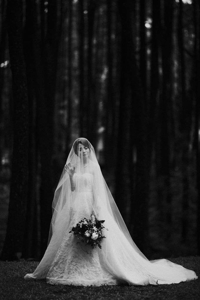 Mega & Alfred Wedding at Gunung Pancar Bogor by ILUMINEN - 024