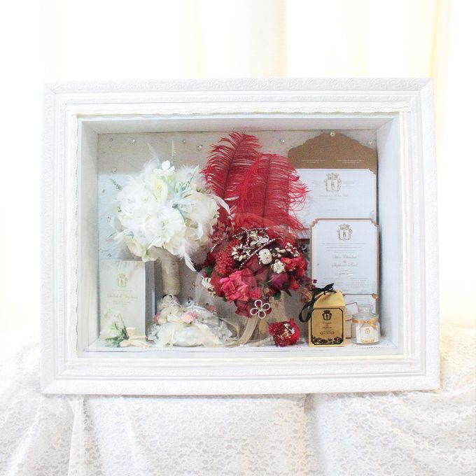 Frame Bouquet by Cup Of Love Design Studio - 003