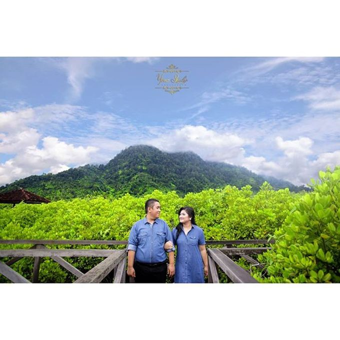 Prewedding Shoot 1 by Yonz Studio Photograph - 014