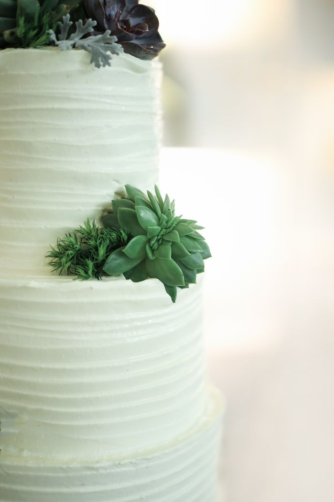 Wedding Cake - Agung & Ardilla by Lareia Cake & Co. - 003