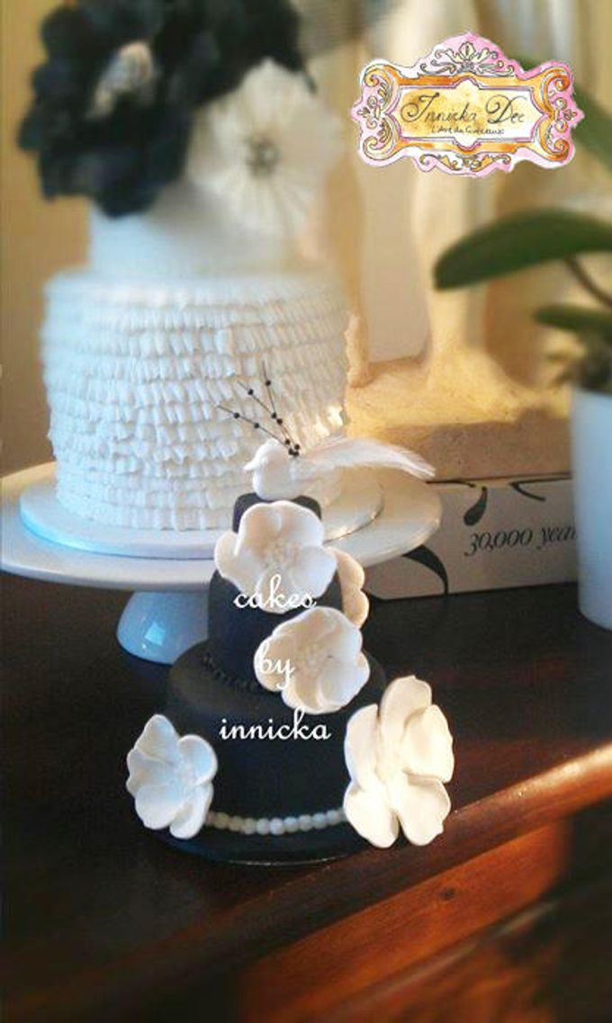 Wedding Cakes by Innicka Dee Cakes - 038