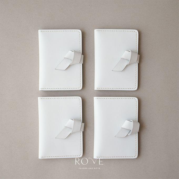 Irwin - Nakina Passport in White by Rove Gift - 001