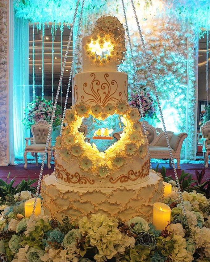 Wedding Cake Customize Design by RR CAKES - 013