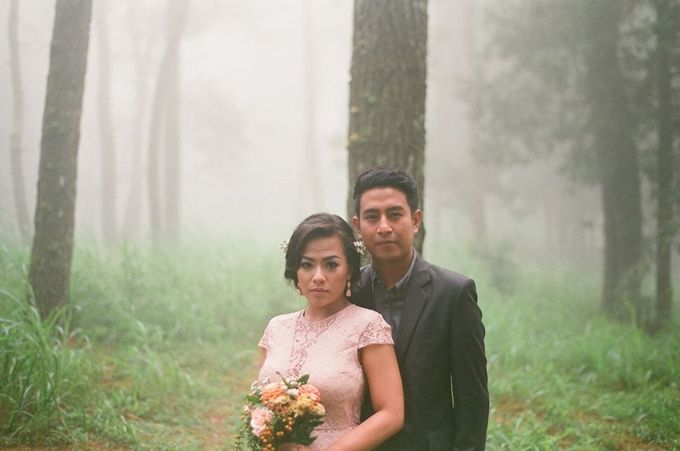 Anna & Dode Pre-Wedding Video & Film Analogue photos by Ray Aloysius Photography - 019
