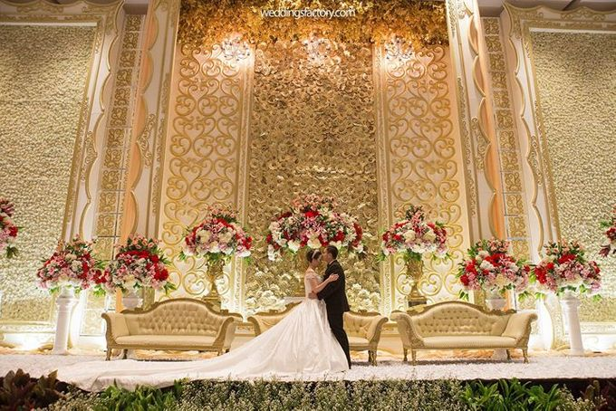 Ivan melisa wedding by wedding factory bridestory add to board ivan melisa wedding by novotel tangerang 021 junglespirit Choice Image