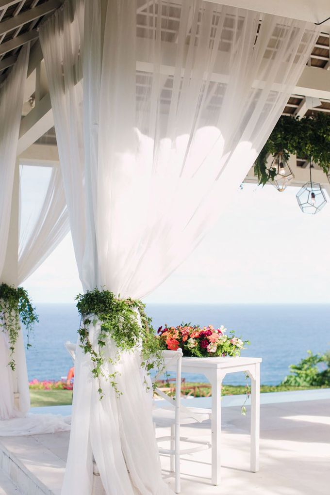 J&M Rustic Glam Cliff Top Wedding by THE UNGASAN CLIFFTOP RESORT BALI  - 009