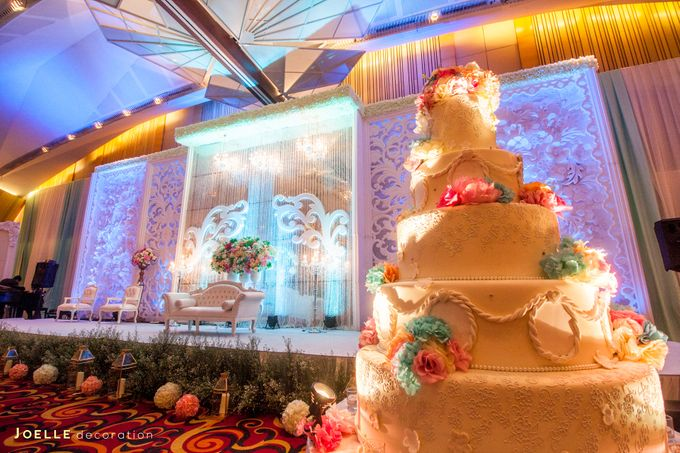 Minimalist vintage blue wedding by joelle decoration bridestory add to board minimalist vintage blue wedding by hotel ciputra jakarta 002 junglespirit Image collections