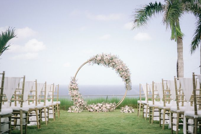 Romantic and Sweet Wedding overlooking the Bali Ocean at Latitude Villa by Silverdust Decoration - 001