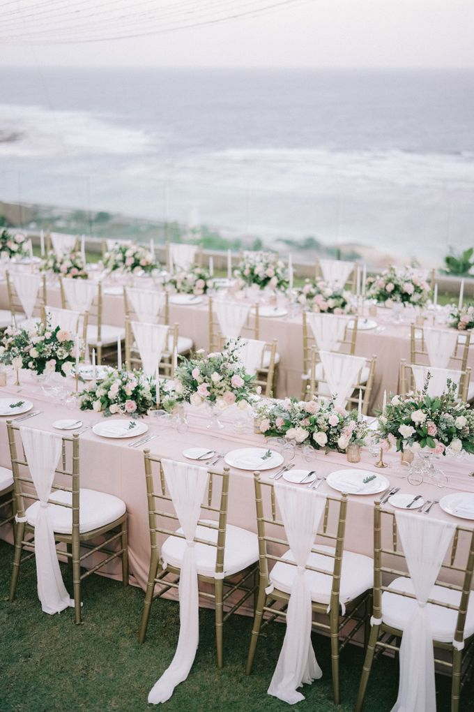Romantic and Sweet Wedding overlooking the Bali Ocean at Latitude Villa by Silverdust Decoration - 012