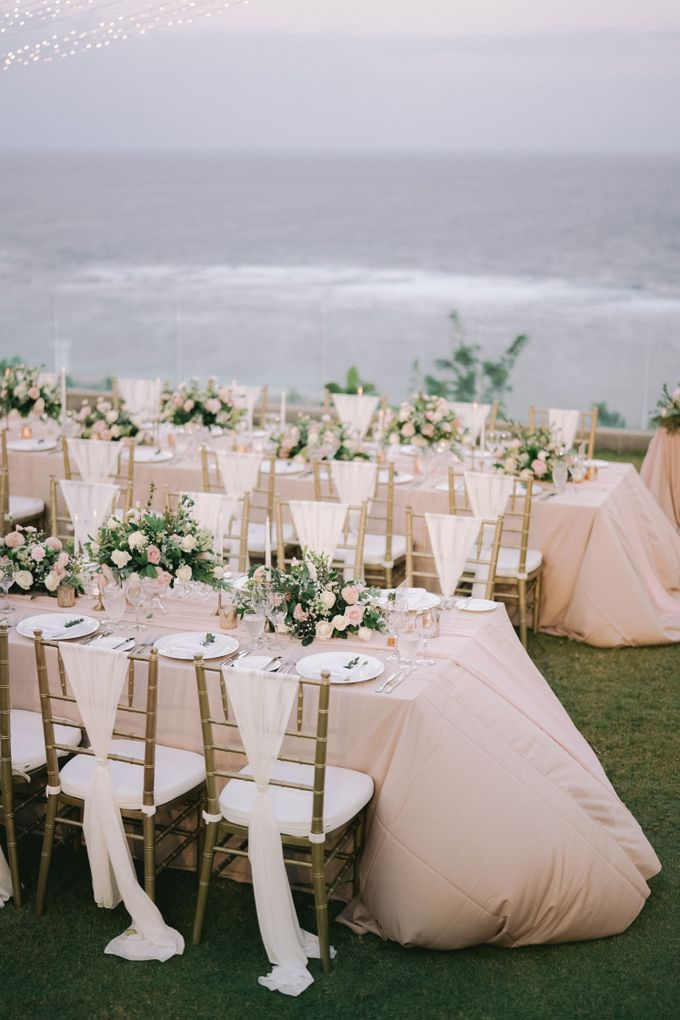 Romantic and Sweet Wedding overlooking the Bali Ocean at Latitude Villa by Silverdust Decoration - 014