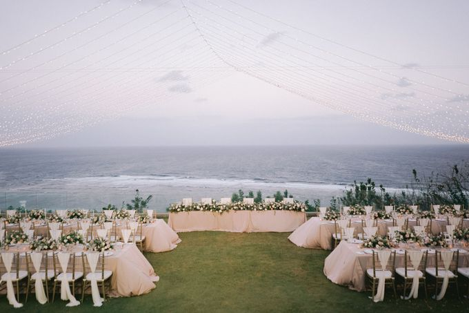 Romantic and Sweet Wedding overlooking the Bali Ocean at Latitude Villa by Silverdust Decoration - 015