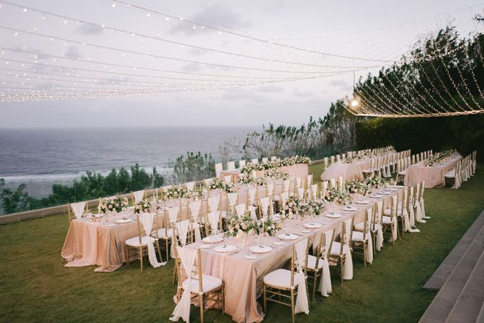 Romantic and Sweet Wedding overlooking the Bali Ocean at Latitude Villa by Silverdust Decoration - 016