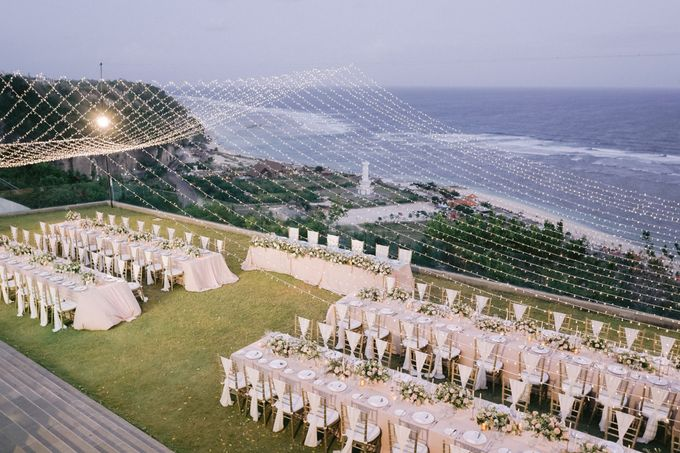 Romantic and Sweet Wedding overlooking the Bali Ocean at Latitude Villa by Silverdust Decoration - 017