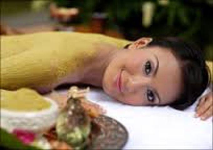 A Romantic Wedding Package by Taman Sari Royal Heritage Spa Mustika Ratu - 002