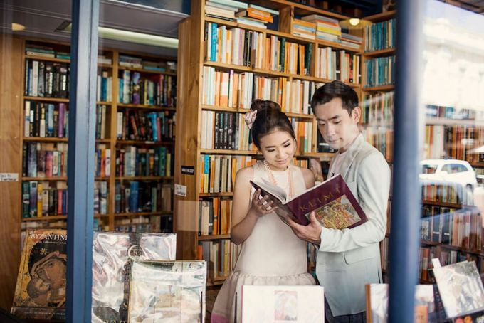 Love, Universal Language - Yeon and Maria Prewedding by Antony by Vow Pictures - 006