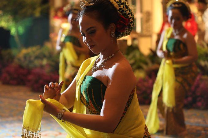 Dana & Brena Wedding by Akuwedding - 014