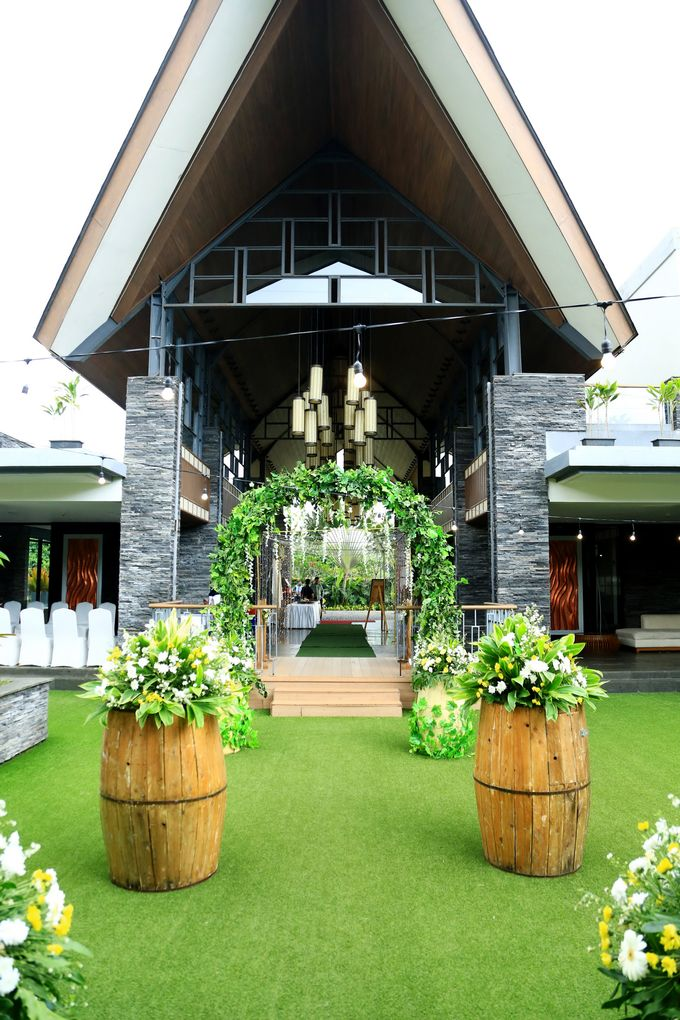 eras & farah decoration wedding by Our Wedding & Event Organizer - 010