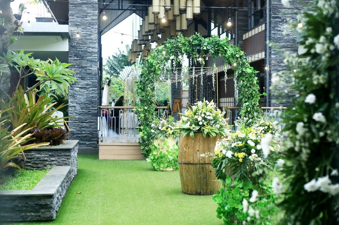 eras & farah decoration wedding by Our Wedding & Event Organizer - 014
