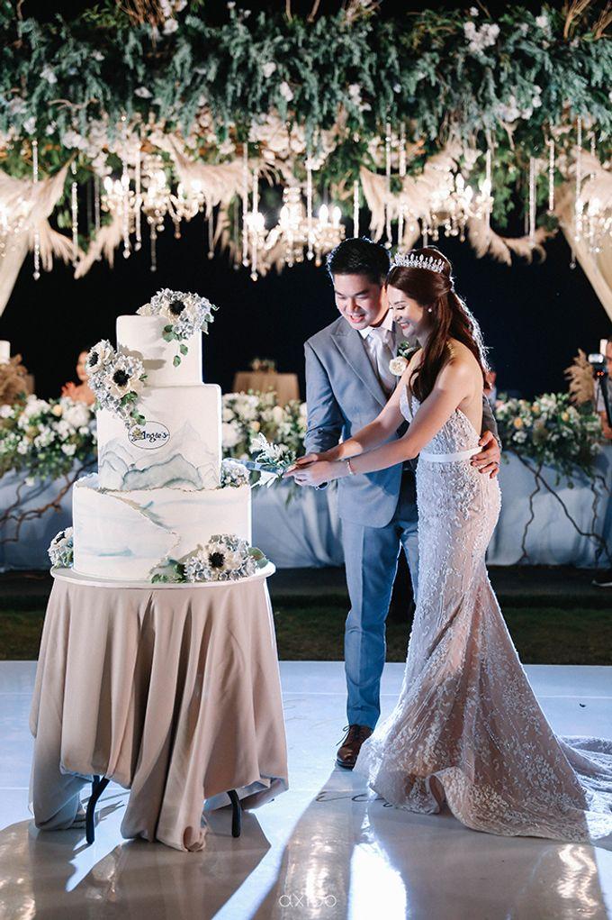 Villa Phalosa - Serene Dusty Blue Wedding by Flora Botanica Designs - 043