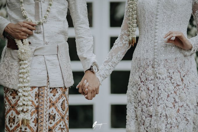 Yoga Arizona & Widya Amelia Wedding by SVARNA by IKAT Indonesia Didiet Maulana - 014