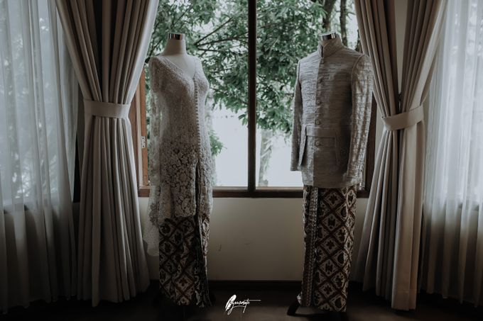 Yoga Arizona & Widya Amelia Wedding by SVARNA by IKAT Indonesia Didiet Maulana - 019