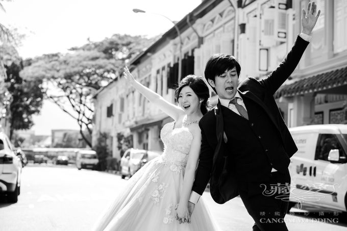 On the casual street by Cang Ai Wedding - 002
