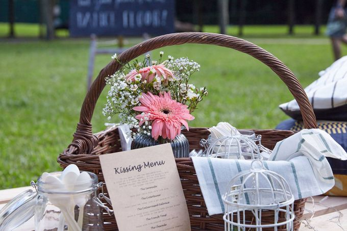 Picnic Wedding at the Park by Megu Weddings - 003