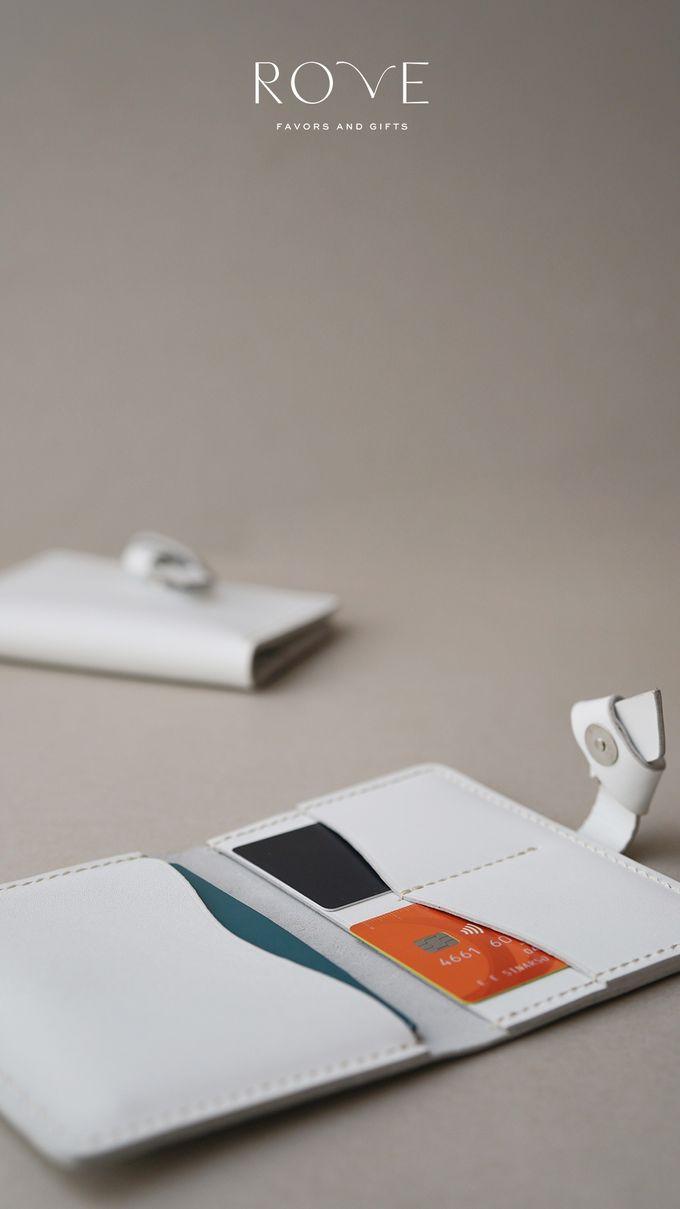 Irwin - Nakina Passport in White by Rove Gift - 003