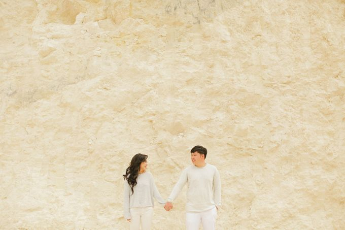 PRE - WEDDING SAMUEL & MERISA BY HENOKH WIRANEGARA by All Seasons Photo - 026