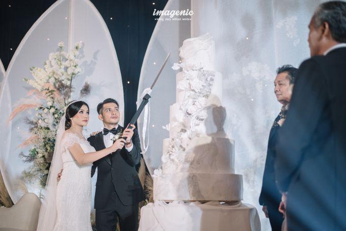 Eva & Fikriel Wedding by Petty Kaligis - 040