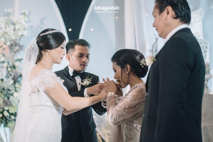 Eva & Fikriel Wedding by Petty Kaligis - 042