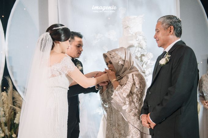 Eva & Fikriel Wedding by Petty Kaligis - 046