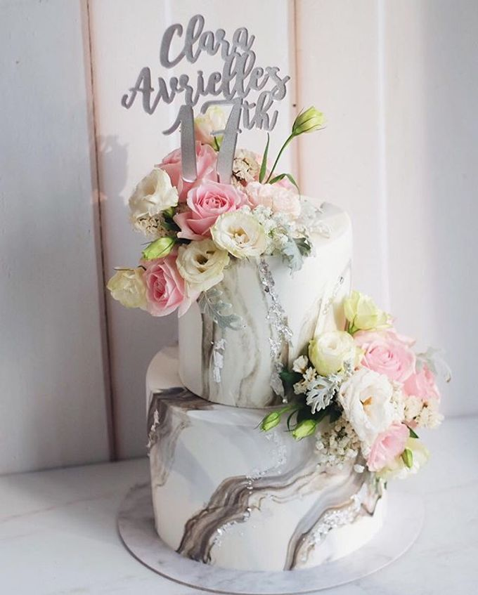2 tiers Celebration Cake (Wedding, Birthdays, etc) by duchess bakes - 007