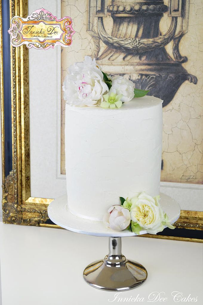 Wedding Cakes by Innicka Dee Cakes - 033