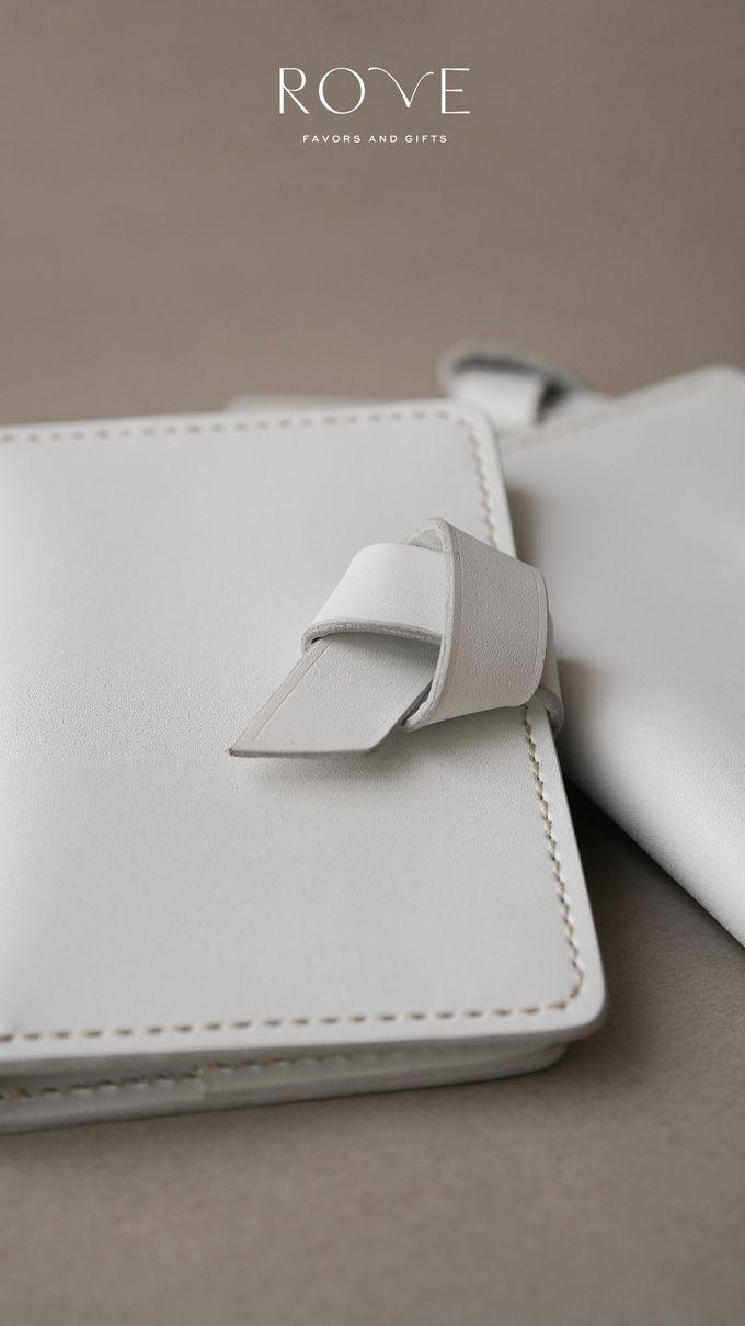 Irwin - Nakina Passport in White by Rove Gift - 005
