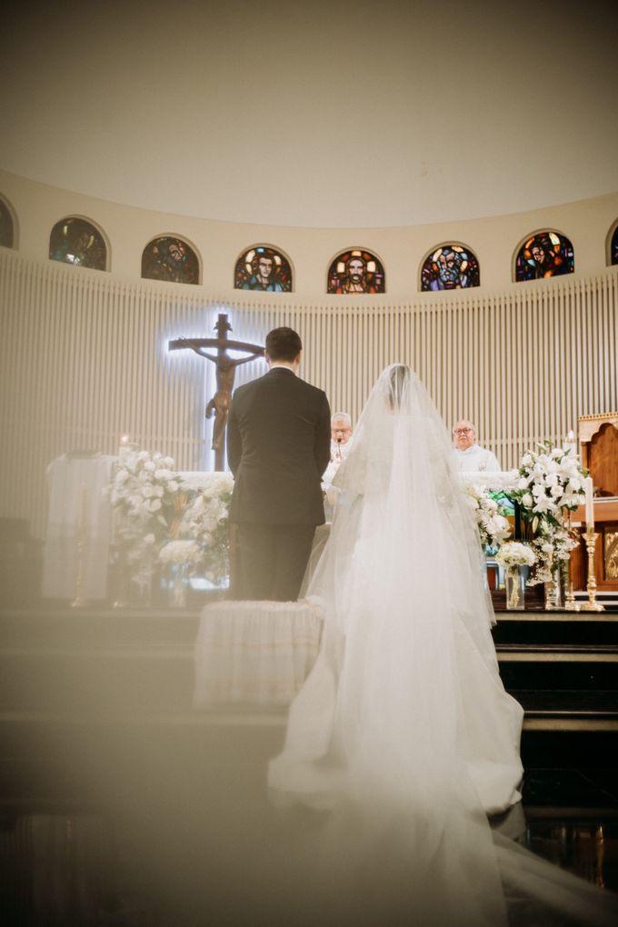 Nicole & Daniel Wedding at Menara Imperium by AKSA Creative - 027