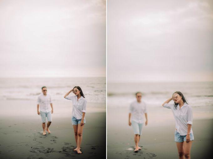 PRE - WEDDING DANIEL & KARINA BY HENOKH WIRANEGARA by All Seasons Photo - 022