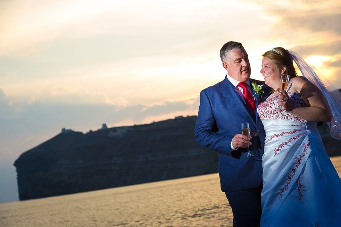 Beach wedding in Santorini by Red Knot Weddings & Events - 031