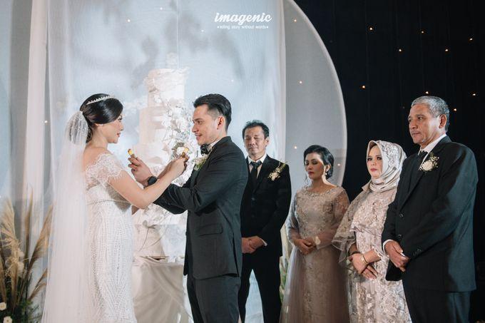 Eva & Fikriel Wedding by Petty Kaligis - 048