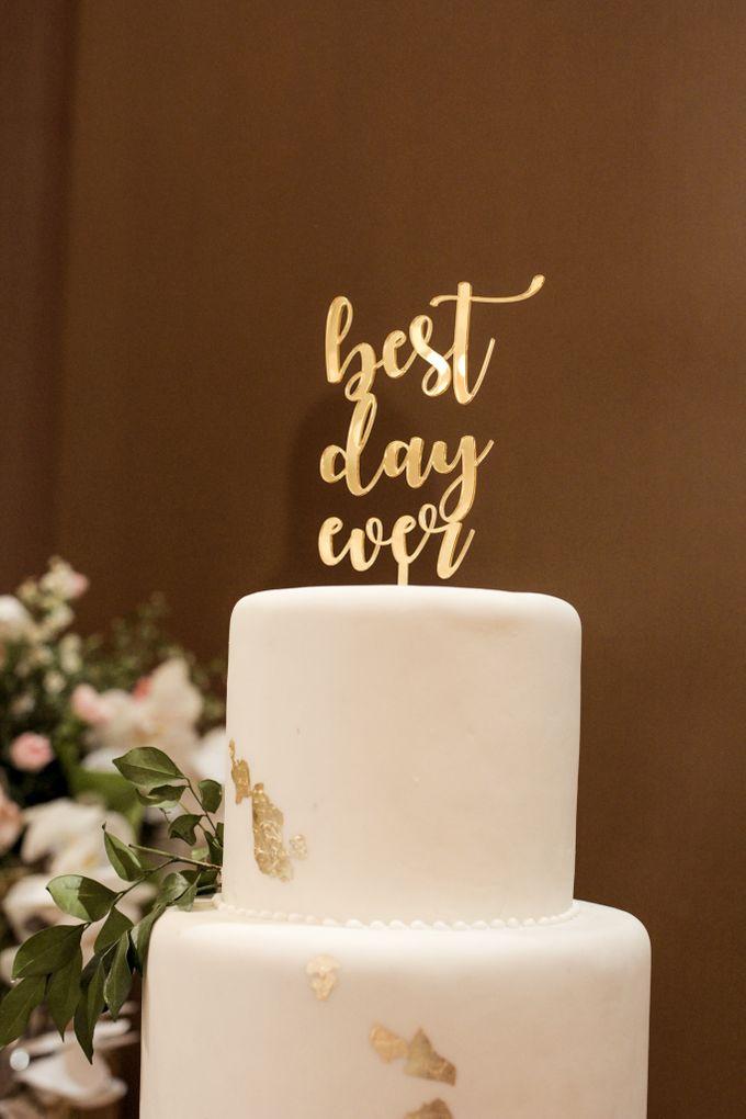 Cake Topper Design By Gordon Blue Cake Bridestory Com