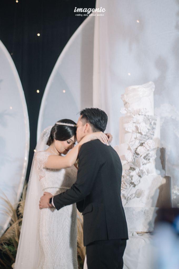 Eva & Fikriel Wedding by Petty Kaligis - 034
