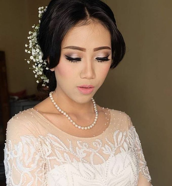 pengantin internasional by White Make Up and Hair Do - 005