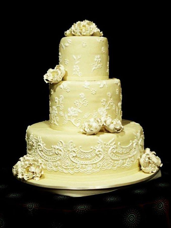 3 layers wedding cakes by LeNovelle Cake - 006